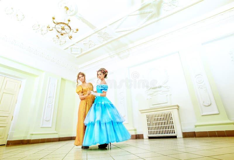 κυρίες δύο στοκ φωτογραφία με δικαίωμα ελεύθερης χρήσης