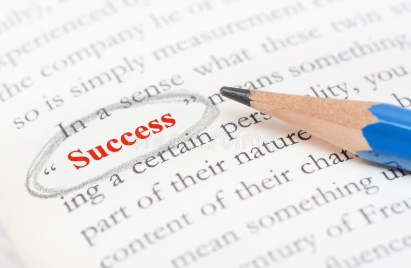 Κυριώτερο σημείο κύκλων μολυβιών στη λέξη επιτυχίας στοκ εικόνες