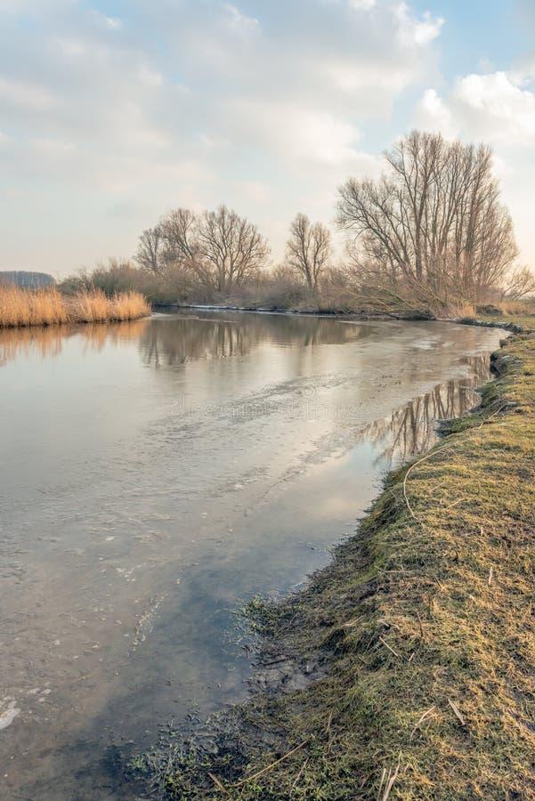 Κυρτός κολπίσκος στη χειμερινή εποχή στοκ φωτογραφία με δικαίωμα ελεύθερης χρήσης