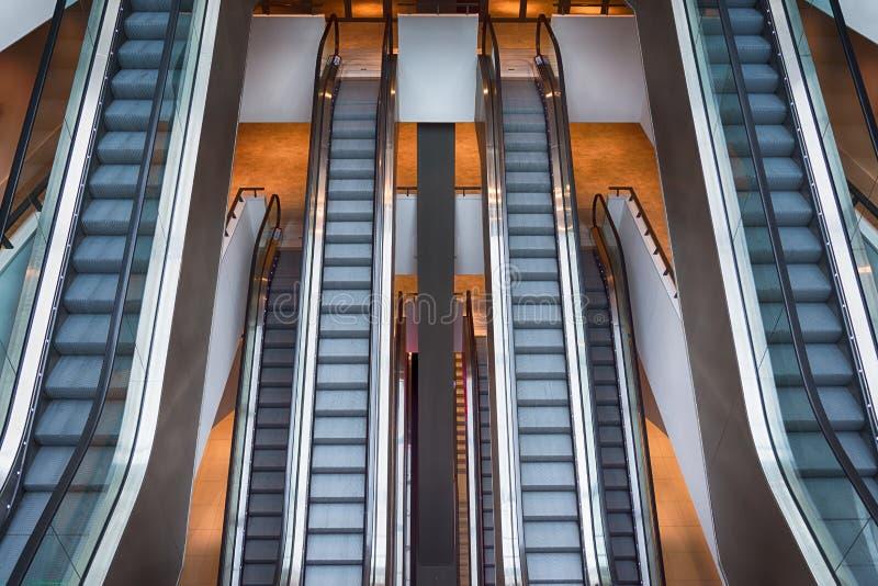 Κυλιόμενες σκάλες στοκ φωτογραφίες με δικαίωμα ελεύθερης χρήσης