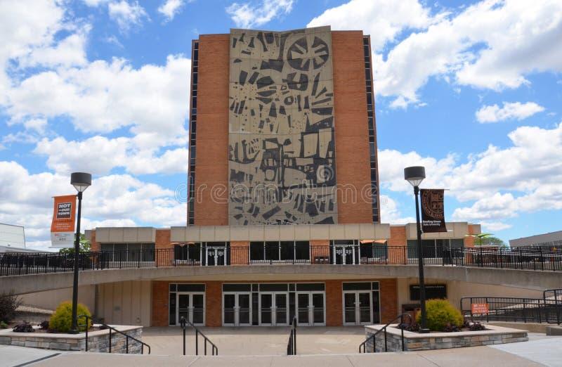 Κυλώντας πράσινη βιβλιοθήκη του Jerome κρατικού πανεπιστημίου στοκ εικόνες