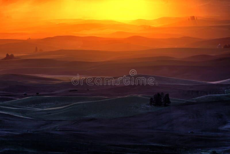 Κυλώντας λόφος και γεωργική γη στοκ εικόνες με δικαίωμα ελεύθερης χρήσης