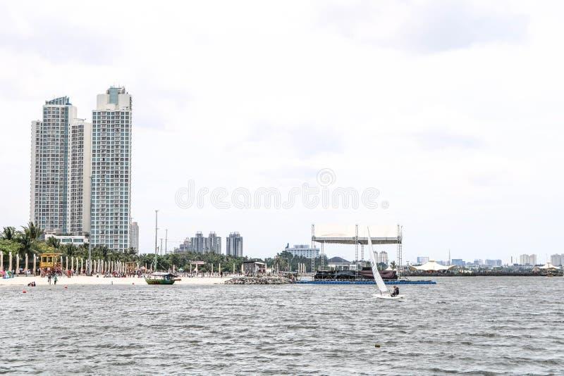 Κωμόπολη πόλεων στην παραλία στοκ φωτογραφία