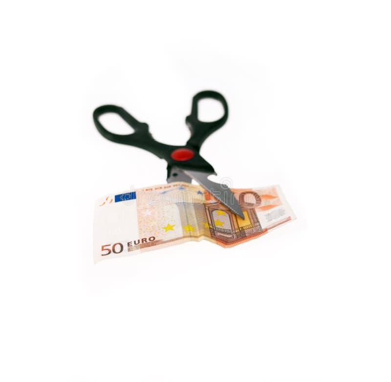 κόβοντας απομονωμένο ευρώ λευκό ψαλιδιού λογαριασμών στοκ φωτογραφίες με δικαίωμα ελεύθερης χρήσης