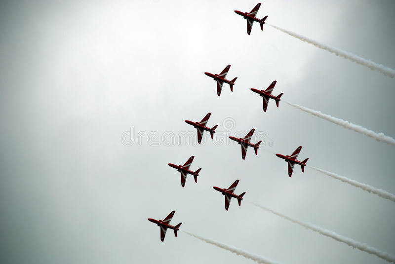 Κόκκινα βέλη 7 Airshow στοκ εικόνες