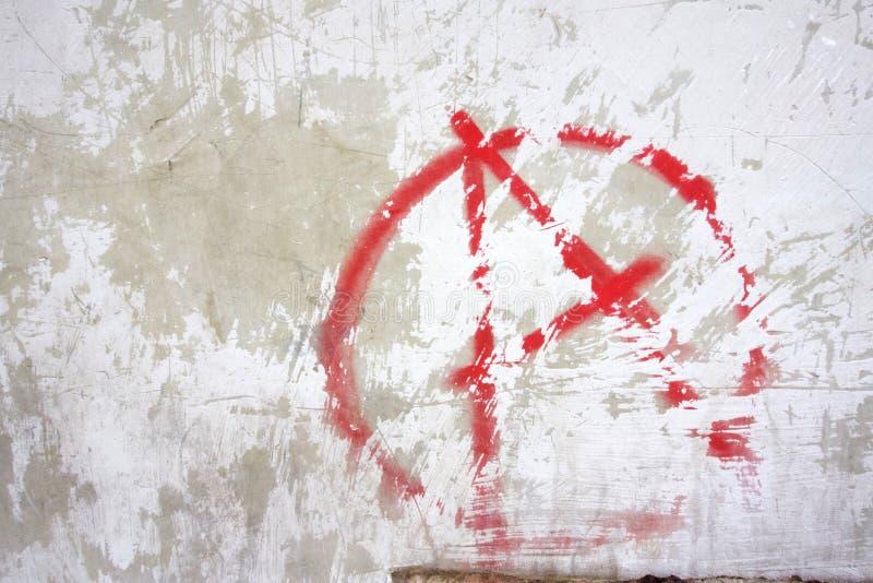 Κόκκινα γκράφιτι συμβόλων αναρχίας στοκ φωτογραφία με δικαίωμα ελεύθερης χρήσης