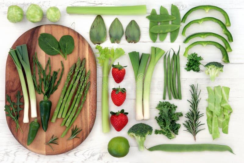 Κόκκινα και πράσινα έξοχα τρόφιμα στοκ εικόνα με δικαίωμα ελεύθερης χρήσης