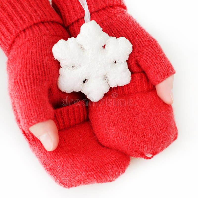 Κόκκινα πλεκτά γάντια στοκ φωτογραφία