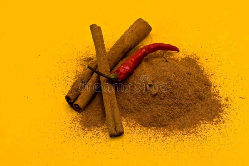 κόκκινα ραβδιά σκονών πιπε& στοκ φωτογραφία με δικαίωμα ελεύθερης χρήσης