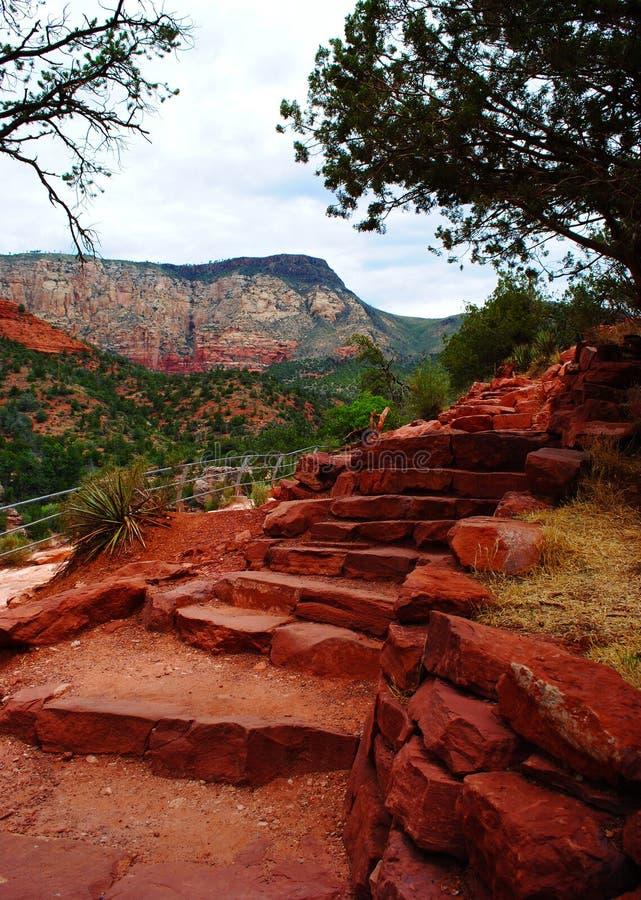 Κόκκινα σκαλοπάτια βράχου στοκ εικόνες