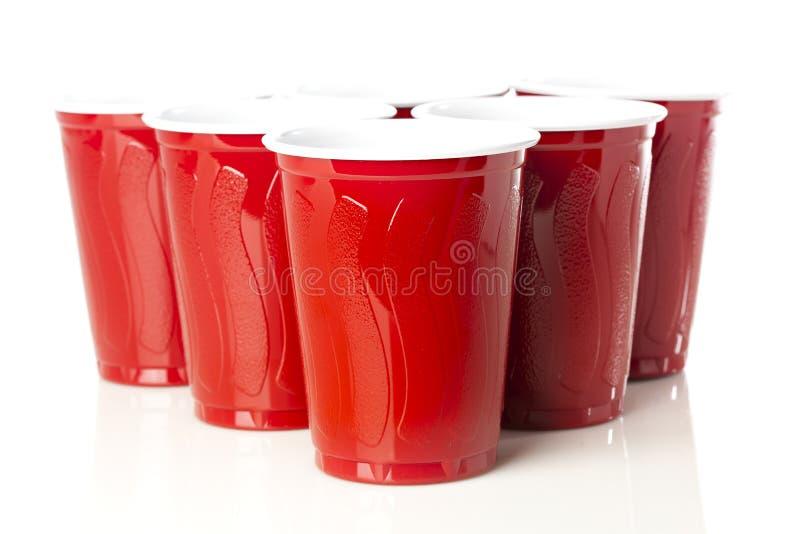 Κόκκινα φλυτζάνια Pong μπύρας στοκ φωτογραφίες