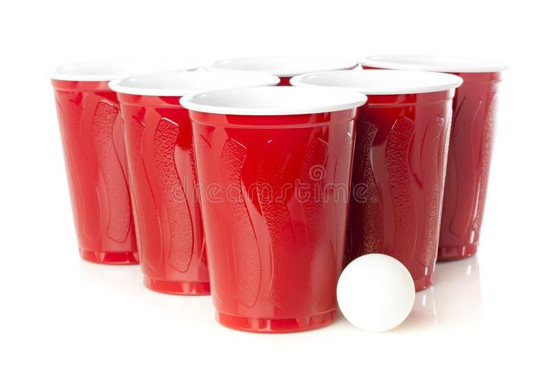 Κόκκινα φλυτζάνια Pong μπύρας στοκ εικόνα