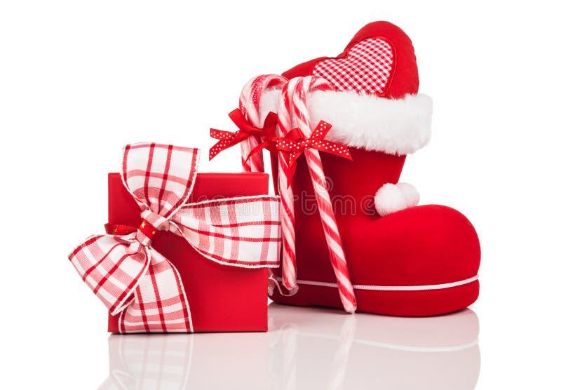 Κόκκινες και άσπρες διακοσμήσεις Χριστουγέννων στοκ εικόνες