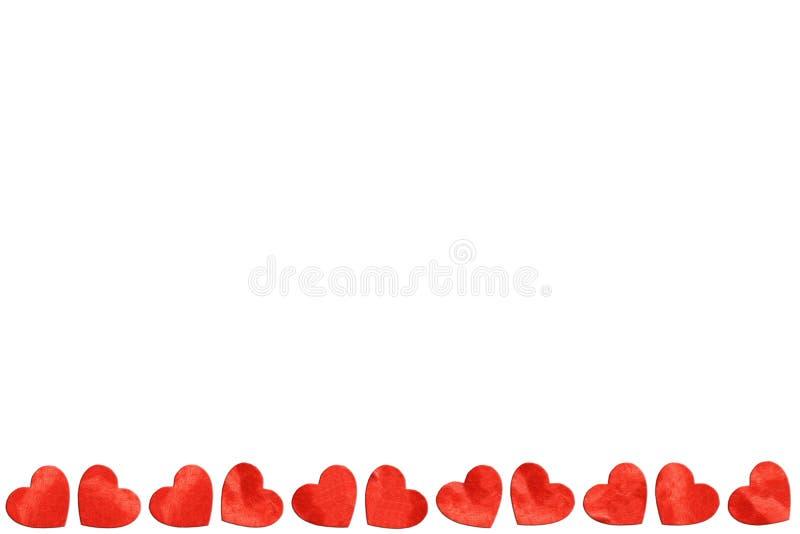 Κόκκινες καρδιές εγγράφου στο άσπρο υπόβαθρο για την ημέρα βαλεντίνων στοκ εικόνα με δικαίωμα ελεύθερης χρήσης