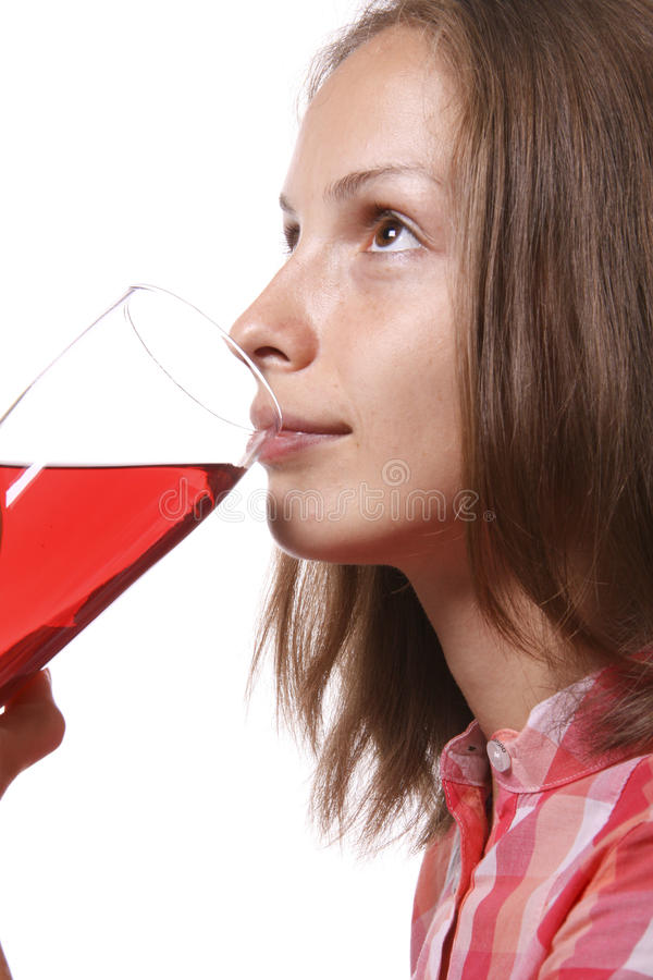 κόκκινες νεολαίες γυναικών γυαλιού ποτών στοκ φωτογραφίες με δικαίωμα ελεύθερης χρήσης