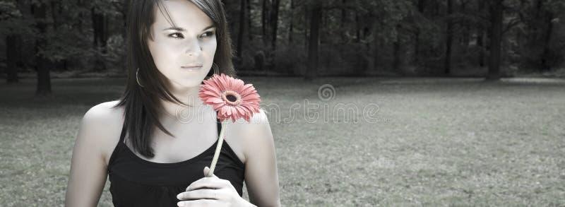 κόκκινη διαστημική γυναίκα μερών λουλουδιών αντιγράφων στοκ φωτογραφίες με δικαίωμα ελεύθερης χρήσης