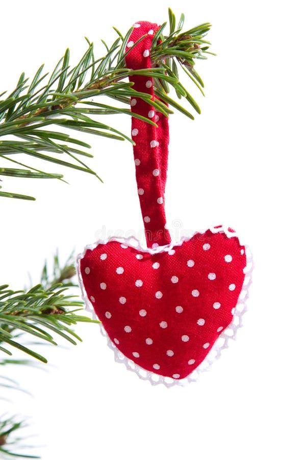 Κόκκινη διαστιγμένη χειροποίητη κόκκινη καρδιά Χριστουγέννων που απομονώνεται στοκ εικόνες