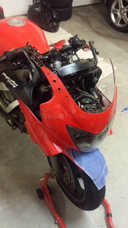 Κόκκινη μοτοσικλέτα στοκ φωτογραφίες
