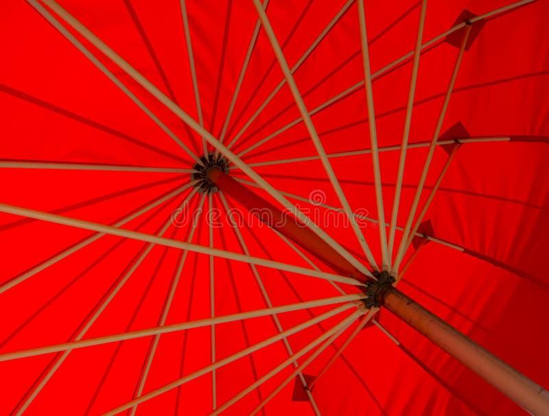 κόκκινη ομπρέλα στοκ εικόνες με δικαίωμα ελεύθερης χρήσης
