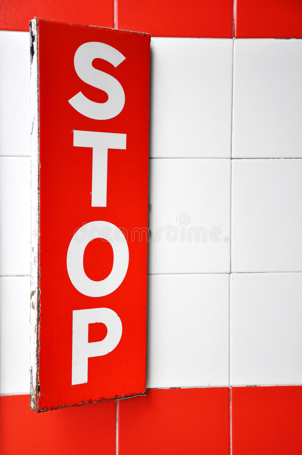 Download κόκκινη στάση σημαδιών απεικόνιση αποθεμάτων. εικονογραφία από έννοια - 22782076