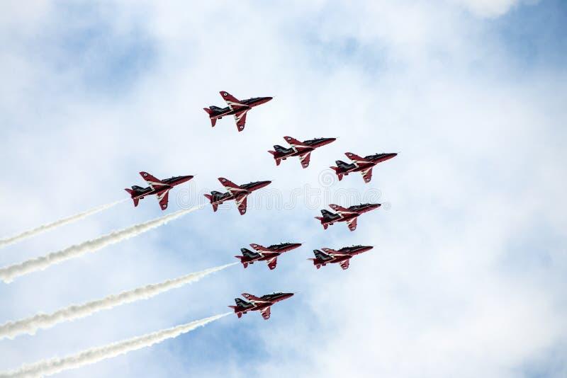 Κόκκινη RAF βελών ομάδα παρουσίασης στοκ φωτογραφίες