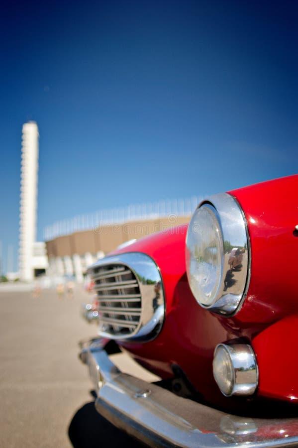 κόκκινος αναδρομικός αυτοκινήτων στοκ φωτογραφία