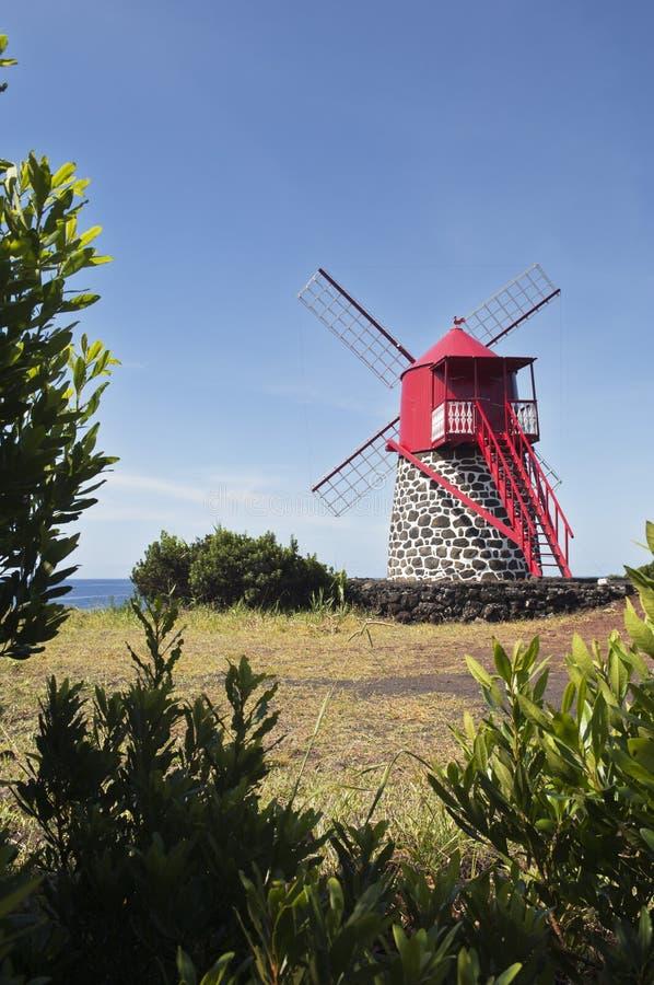 κόκκινος ανεμόμυλος στοκ φωτογραφία με δικαίωμα ελεύθερης χρήσης