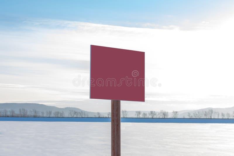 Κόκκινος λεπτός πάγος σημαδιών επικίνδυνα χωρίς επιγραφή Κενή αφίσσα με το διάστημα για το κείμενό σας στοκ φωτογραφίες