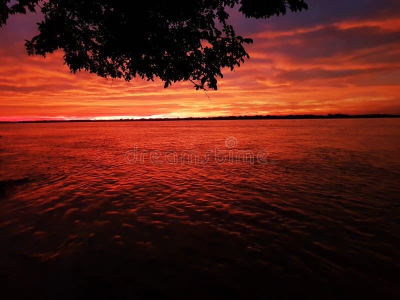 κόκκινος ουρανός στοκ εικόνες με δικαίωμα ελεύθερης χρήσης