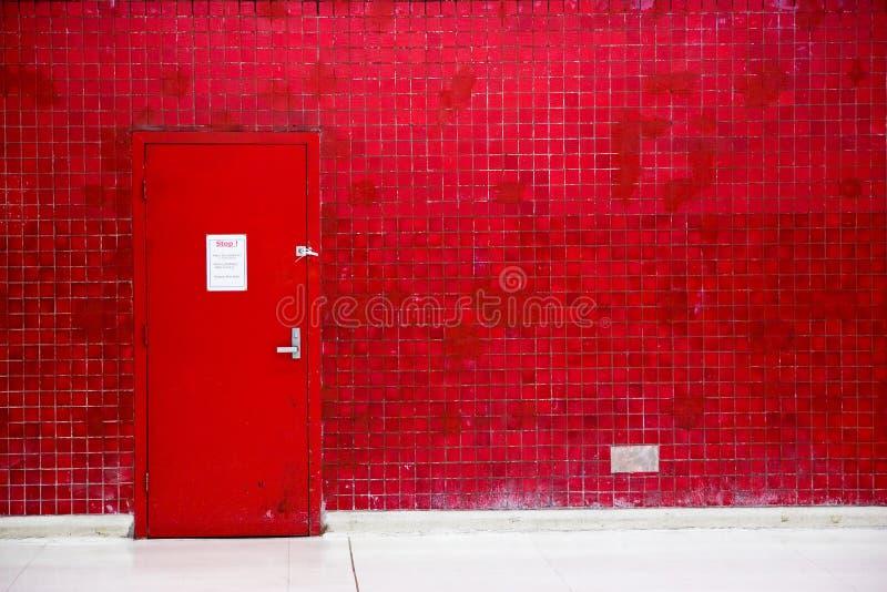 κόκκινος τοίχος μωσαϊκών &pi στοκ φωτογραφία με δικαίωμα ελεύθερης χρήσης