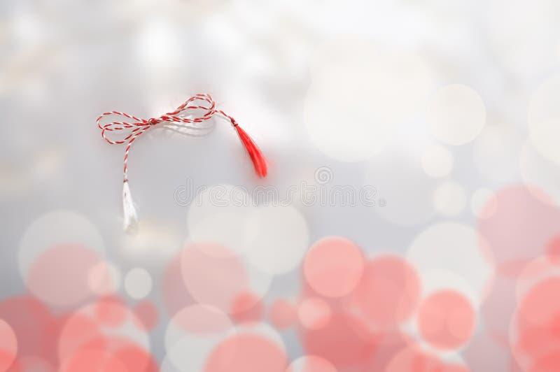 Κόκκινο άσπρο σύμβολο άνοιξη στοκ εικόνα