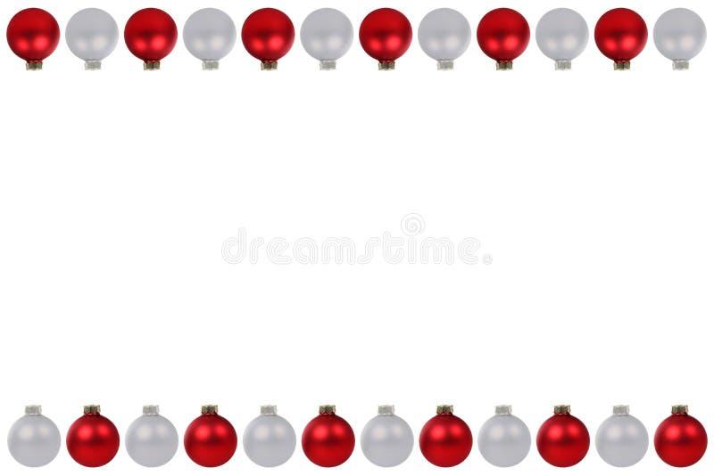 Κόκκινο ασημένιο αντίγραφο διαστημικό ι συνόρων μπιχλιμπιδιών σφαιρών Χριστουγέννων copyspace διανυσματική απεικόνιση