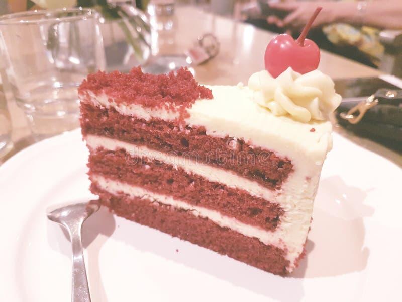 κόκκινο βελούδο κέικ στοκ εικόνες