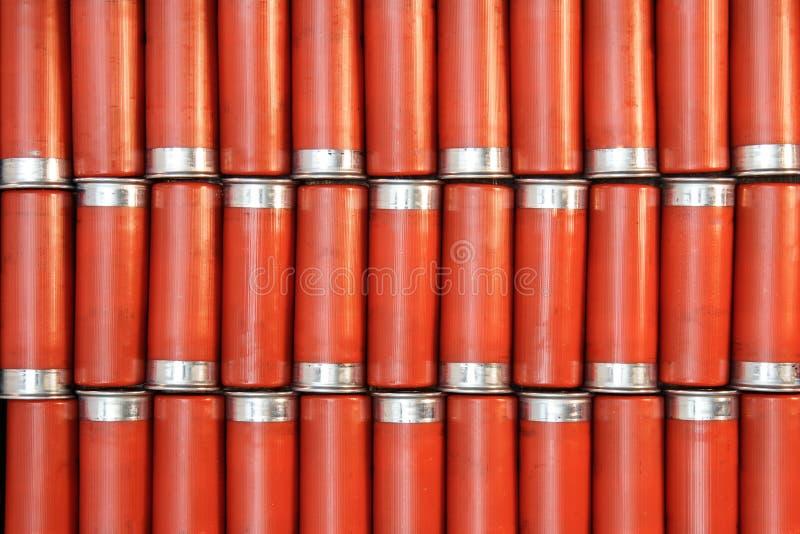Κόκκινο δώδεκα περιτυπώματα πυροβόλων όπλων στοκ εικόνες