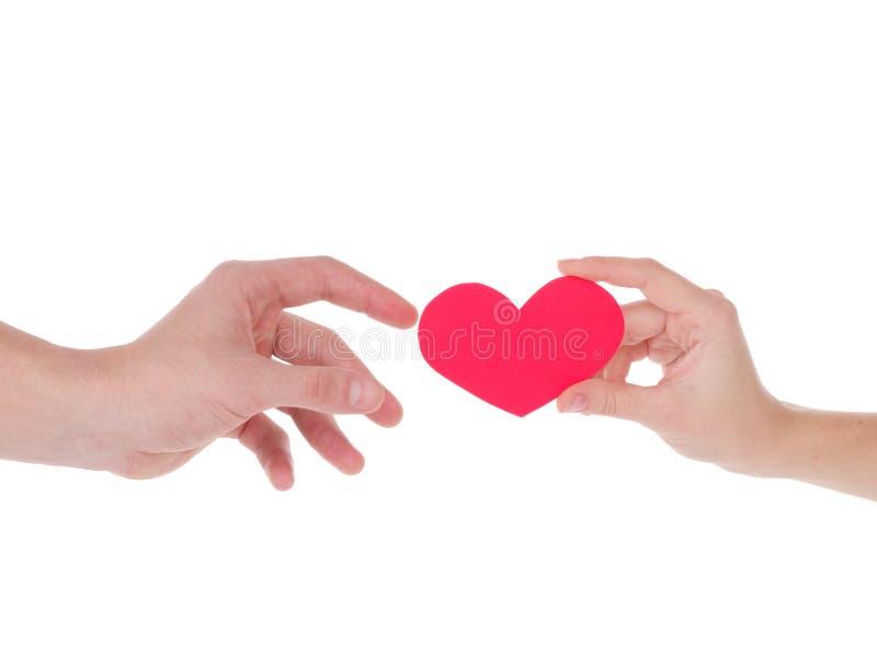 κόκκινο εκμετάλλευση&sigmaf η έννοια της αγάπης, ημέρα βαλεντίνων, σύμβολο και ρομαντικός κόκκινη καρδιά για το δώρο στοκ φωτογραφία με δικαίωμα ελεύθερης χρήσης