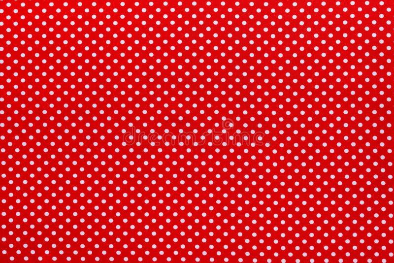 Κόκκινο επιτραπέζιο ύφασμα βαμβακιού Πόλκα-σημείων στοκ εικόνες