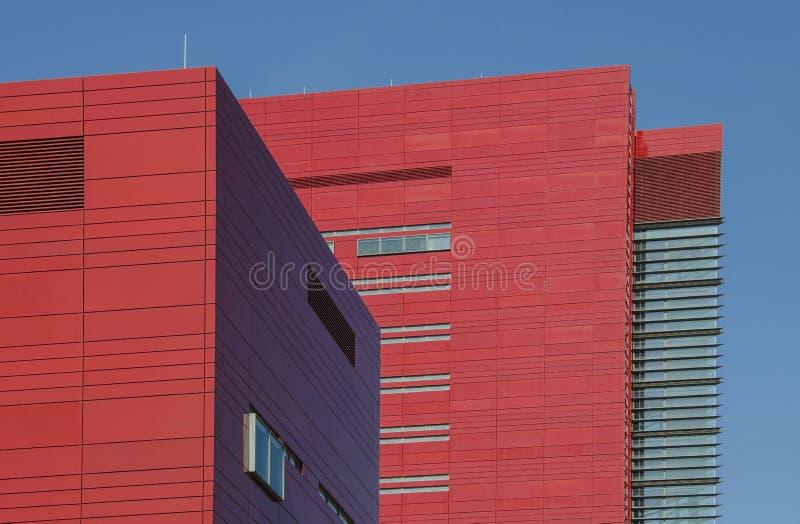 Κόκκινο επιχειρησιακό κτήριο στοκ φωτογραφία