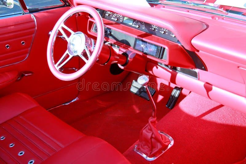 Κόκκινο εσωτερικό αυτοκινήτων στοκ εικόνα με δικαίωμα ελεύθερης χρήσης