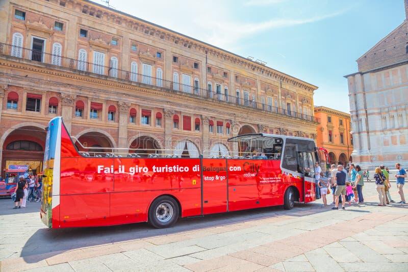 Κόκκινο λεωφορείο Μπολόνια πόλεων στοκ φωτογραφία