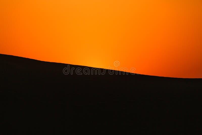 Κόκκινο ηλιοβασίλεμα στην έρημο στοκ φωτογραφίες με δικαίωμα ελεύθερης χρήσης