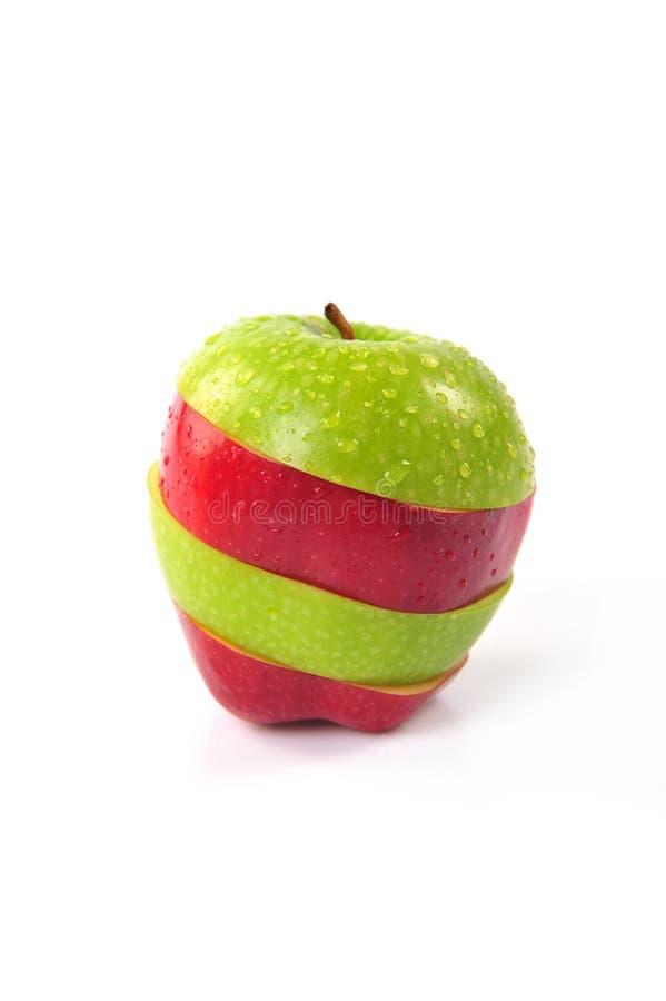 Κόκκινο και πράσινο τεμαχισμένο μήλο στοκ φωτογραφίες