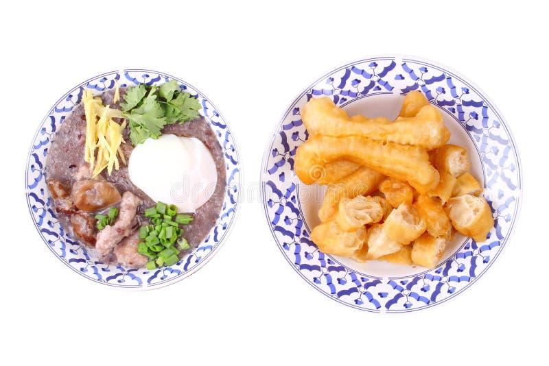 Κόκκινο καφετί ρύζι, κουάκερ με το εξαγμένο χοιρινό κρέας και μοχλός κοτόπουλου στοκ φωτογραφίες με δικαίωμα ελεύθερης χρήσης