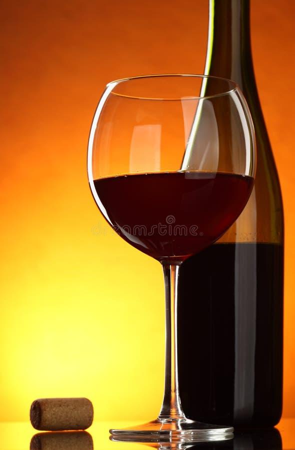 Download κόκκινο κρασί στοκ εικόνα. εικόνα από γυαλί, ποτό, αυξήθηκε - 13189169
