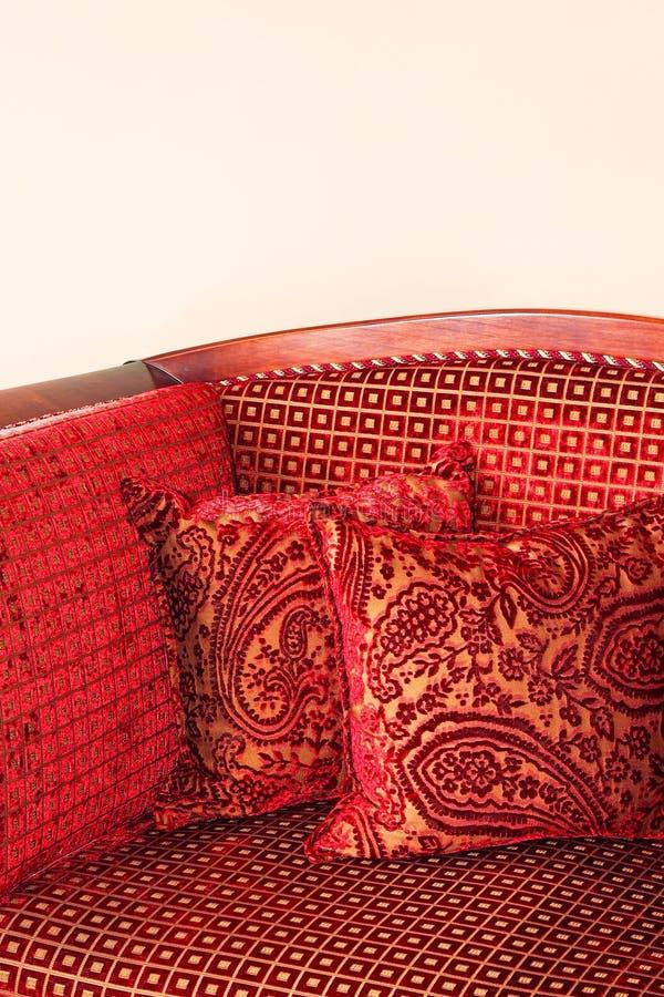 κόκκινο μαξιλαριών στοκ φωτογραφίες με δικαίωμα ελεύθερης χρήσης