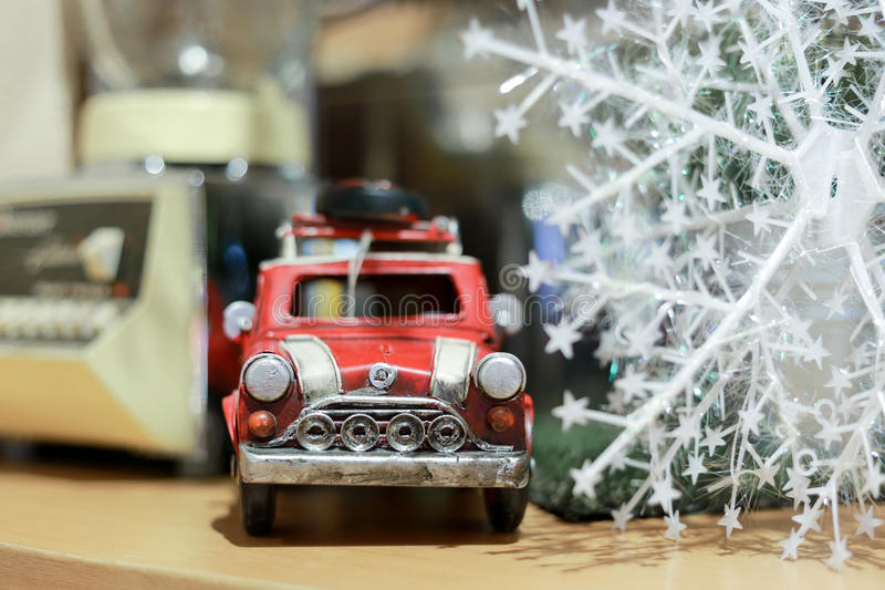 Κόκκινο παιχνίδι αυτοκινήτων στοκ εικόνα με δικαίωμα ελεύθερης χρήσης