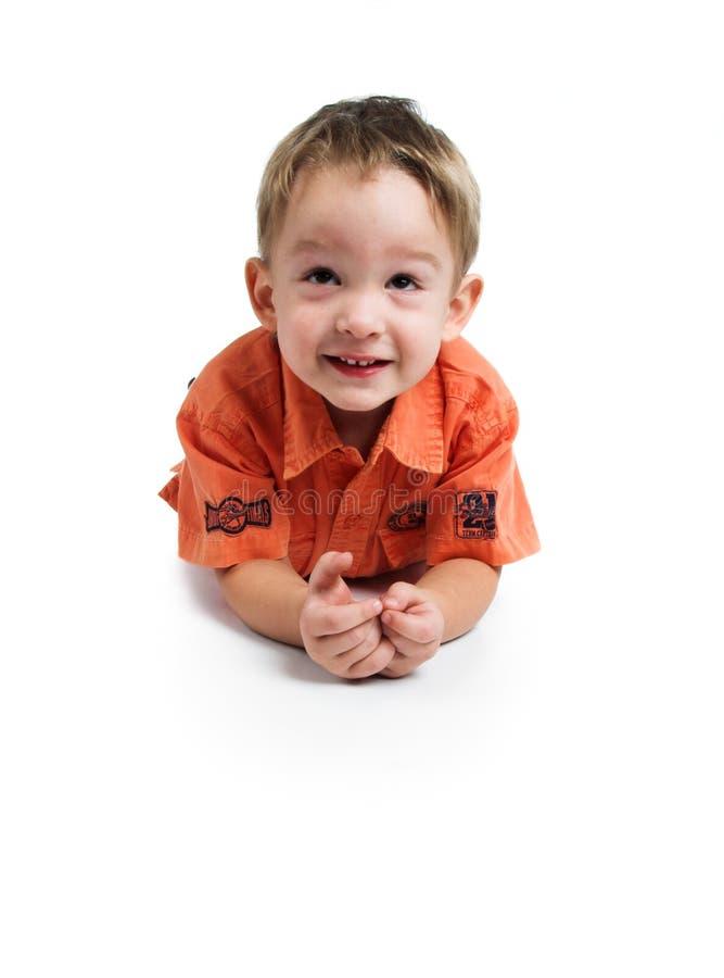 κόκκινο πουκάμισο αγοριών στοκ εικόνες