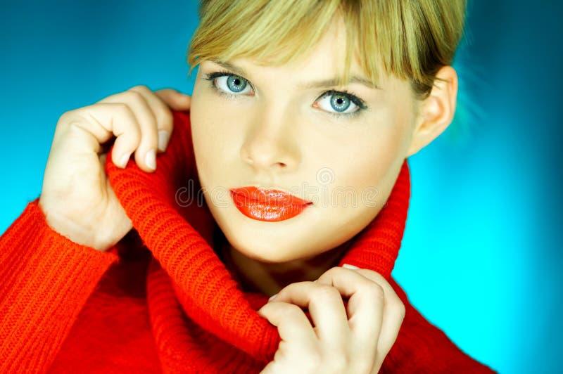 κόκκινο πουλόβερ στοκ εικόνες