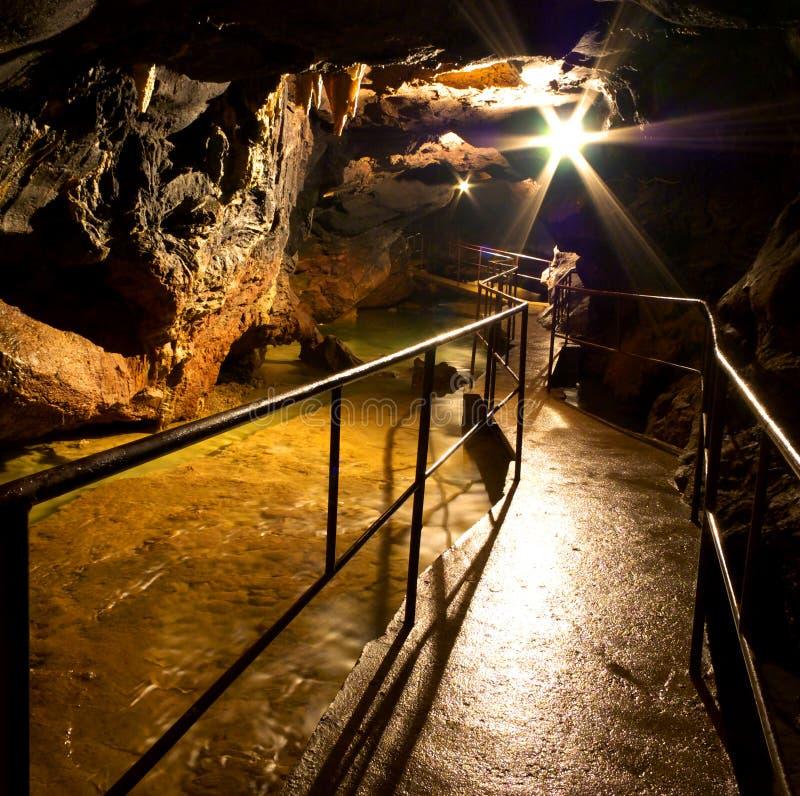 κόκκινο σπηλιών στοκ φωτογραφίες