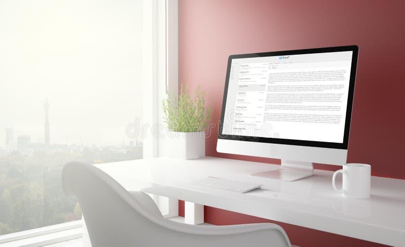 κόκκινο στούντιο με τον υπολογιστή οθόνης bmail στοκ φωτογραφία με δικαίωμα ελεύθερης χρήσης