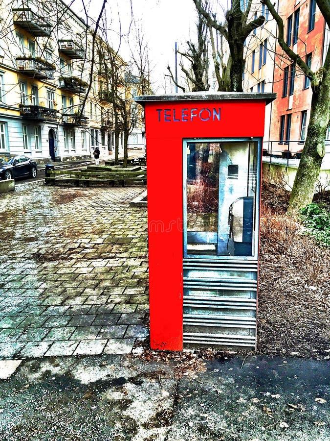 Κόκκινο το χειμώνα στοκ εικόνες με δικαίωμα ελεύθερης χρήσης